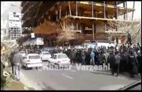 تصویر استراماچونی در دست هواداران معترض استقلال