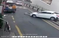 تصادف راننده ناشی هنگام دور زدن