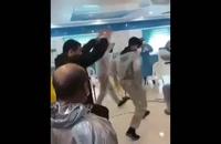 رقص چکه بهبودیافتگان بیماران کرونایی به همراه چند پزشک