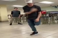 رقص پا میزنه طوری که ببینی میبری ...
